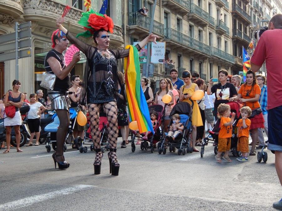 Как я раздавала презервативы на Гей-параде вБарселоне