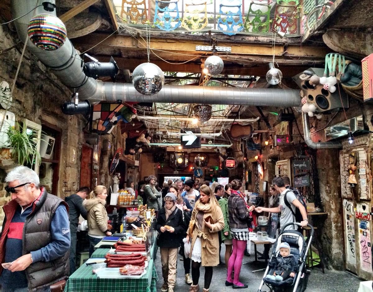 Будапешт: необычные фермерские рынки в руин-пабах