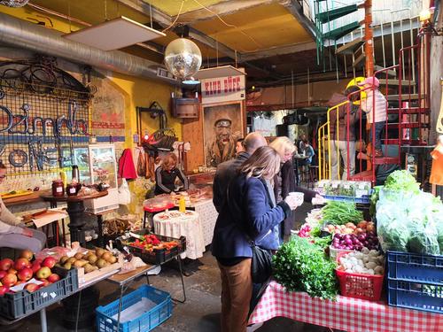 szimpla-sunday-farmers-market
