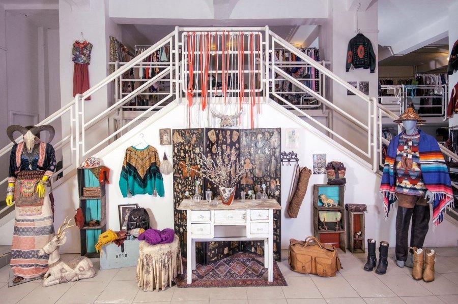 Оставить бабушку в покое: Винтажные и дизайнерские магазиныБудапешта